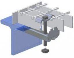 Montage des Stahlgitters an das Konstruktionsprofil