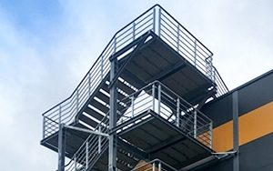 Industrietreppe 7 300x188 - Industrietreppe